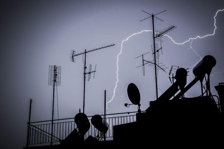 Καιρός – Ραγδαία επιδείνωση του καιρού – Πτώση θερμοκρασίας και καταιγίδες σε όλη τη χώρα   tanea.gr