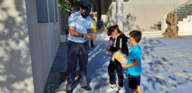Αλλάζει ο Ποινικός Κώδικας μετά τα περιστατικά με τους αρνητές – Τέλος το αυτόφωρο για εκπαιδευτικούς και γιατρούς   tanea.gr