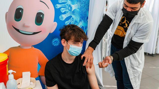 Κεραμέως – Πόσοι εκπαιδευτικοί, φοιτητές και μαθητές έχουν εμβολιαστεί   tanea.gr