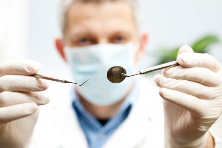 Δεν κάνουν πίσω οι οδοντίατροι για τα rapid test – Τι ζητούν από το υπουργείο Υγείας   tanea.gr