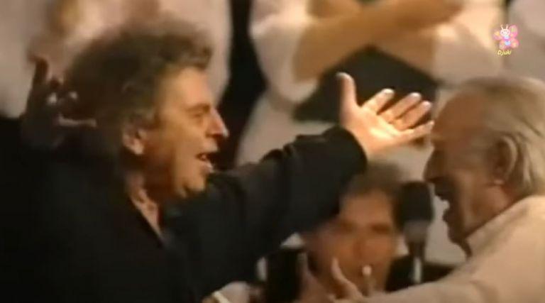 Μίκης Θεοδωράκης – Διάσημος Ολλανδός βιολιστής τον αποχαιρετά με τον «Ζορμπά»   tanea.gr