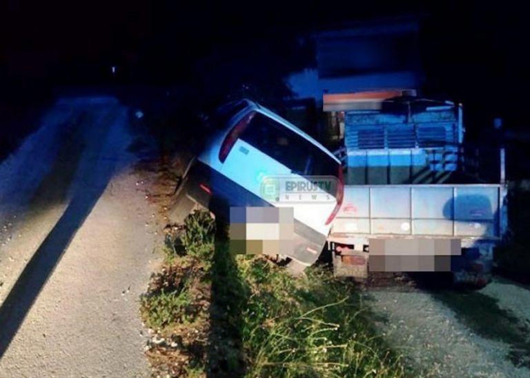 Γιάννενα – Απίστευτη διάσωση μετά από τροχαίο – Κρατούσαν με τα χέρια αυτοκίνητο στο χείλος του γκρεμού | tanea.gr