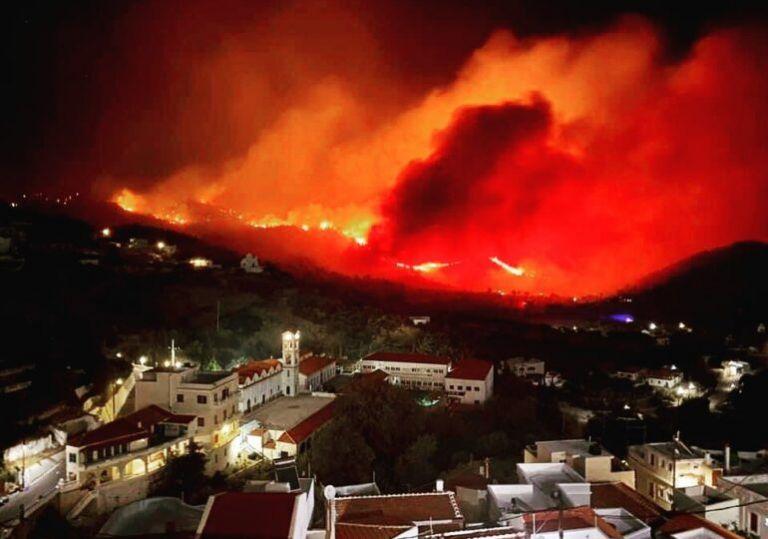 Κάρπαθος – Μάχη για δεύτερη μέρα με τις φλόγες – Πού υπάρχει ενεργό μέτωπο   tanea.gr