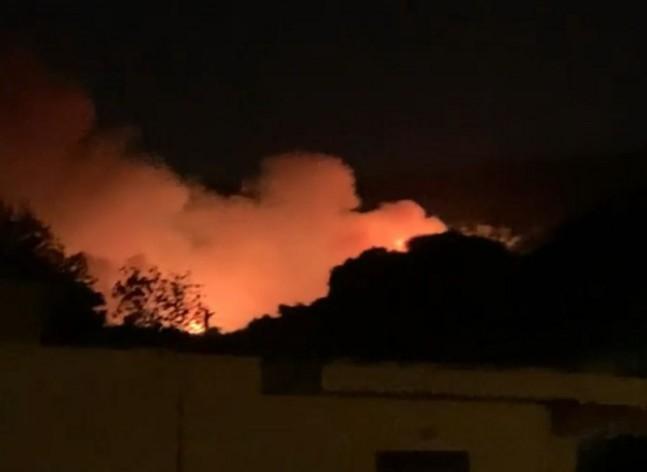Νύχτα αγωνίας στη Νέα Μάκρη - Φωτιά κοντά σε σπίτια   tanea.gr