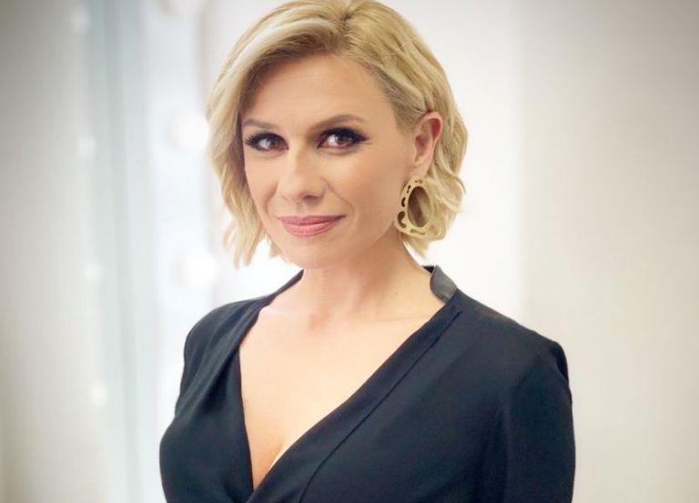 Κατερίνα Καραβάτου – Νέα σελίδα στα επαγγελματικά και στα προσωπικά της   tanea.gr
