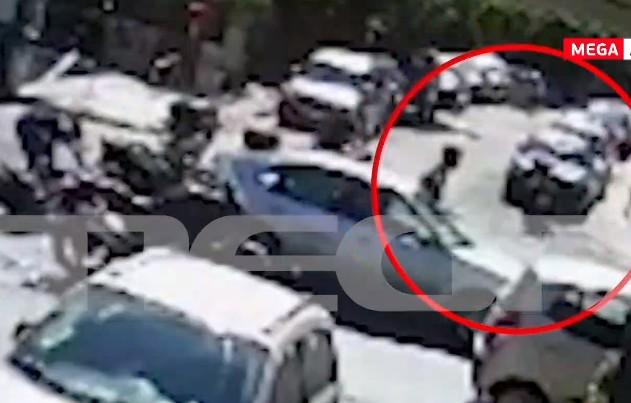 Αποκλειστικό MEGA – Καρέ – καρέ η σύλληψη του δραπέτη πού λήστεψε την τράπεζα στη Μητροπόλεως   tanea.gr