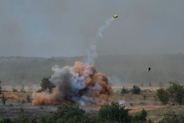 Μηνύματα αποτροπής από τον Εβρο σε όσους προκαλούν – Η δύναμη πυρός του Παρμενίωνα   tanea.gr