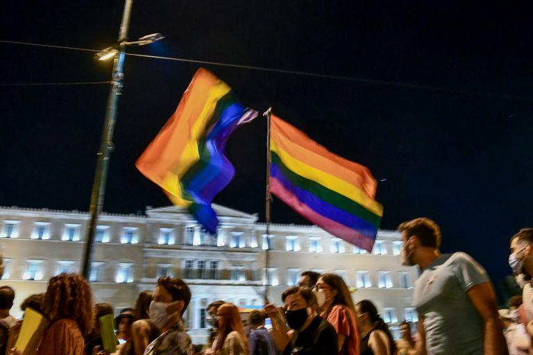 «Αυτό που μας ενώνει» – Γέμισε χρώμα το κέντρο της Αθήνας για το Athens Pride   tanea.gr