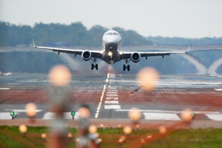 Ελ. Βενιζέλος – Προσγειώθηκε με ασφάλεια το αεροσκάφος που είχε πρόβλημα στα φρένα | tanea.gr