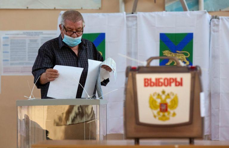 Ρώσια – Κλείνουν οι κάλπες των βουλευτικών εκλογών   tanea.gr