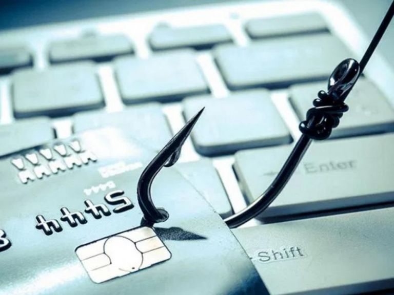 Eκτακτη σύσκεψη Θεοδωρικάκου - Στουρνάρα για τις ηλεκτρονικές απάτες – Φτερά έκαναν 40 εκατ. ευρώ! | tanea.gr