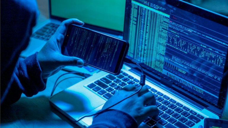 SOS από την ΕΛ.ΑΣ. – «Μαϊμού» τεχνικοί υπολογιστών «μπαίνουν» στον υπολογιστή μας | tanea.gr