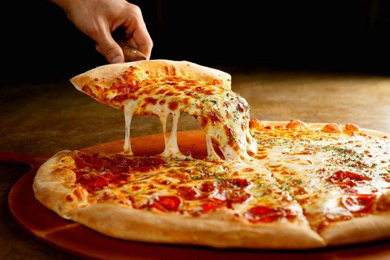 Έως και 13% πιο ακριβή η πίτσα – Γιατί αυξάνεται η τιμή της | tanea.gr