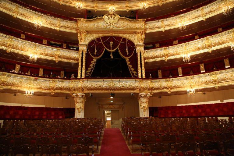 Θέατρο Μπολσόι – Τραγικός θάνατος on stage – Έπεσε πάνω του κομμάτι του σκηνικού | tanea.gr