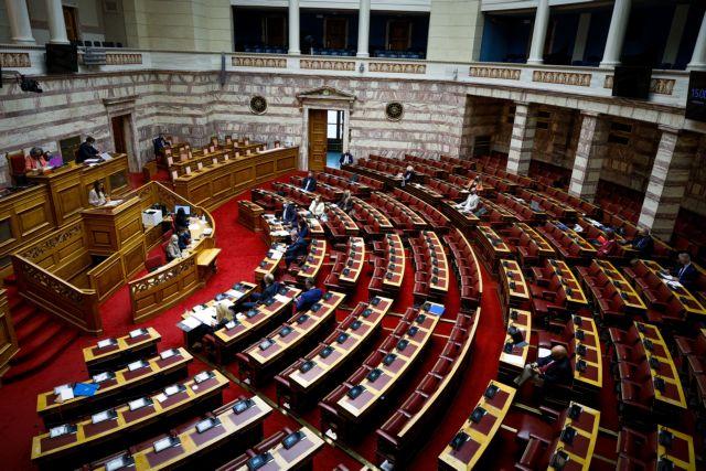 Σύγκρουση πολιτικών αρχηγών στη Βουλή για την αμυντική συμφωνία Ελλάδας – Γαλλίας | tanea.gr