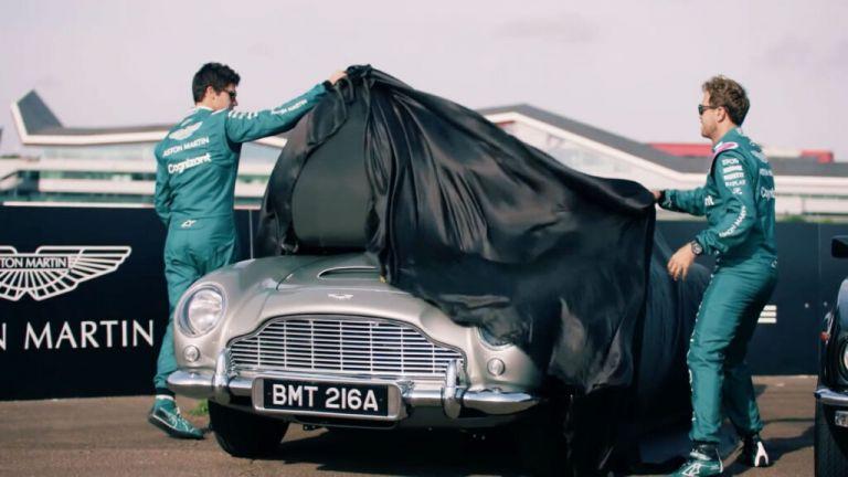 Δύο πιλότοι της Formula1 ...ζορίζονται να οδηγήσουν το αυτοκίνητο του Τζειμς Μποντ | tanea.gr