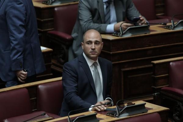 Κωνσταντίνος Μπογδάνος – Επιμένει στις προκλητικές δηλώσεις του – Τι λέει για τη διαγραφή του | tanea.gr