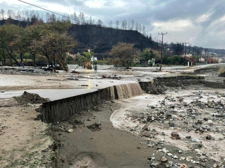 Εύβοια – Η κακοκαιρία «Αθηνά» σάρωσε την Βόρεια Εύβοια – Εικόνες βιβλικής καταστροφής | tanea.gr