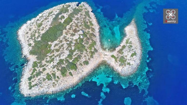 Φονιάς - Αυτό είναι το ελληνικό νησί με το ανατριχιαστικό όνομα – Μια ανάσα από την Αθήνα   tanea.gr